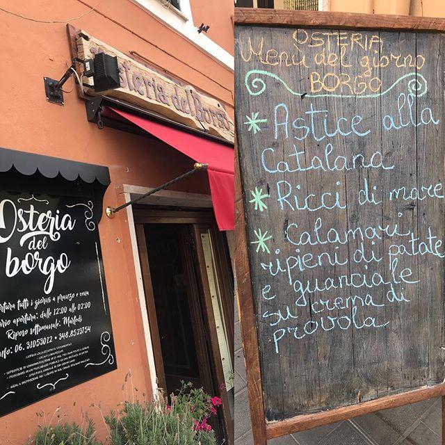 Osteria del Borgo a Bracciano con i vini. Siete benvenuti!
